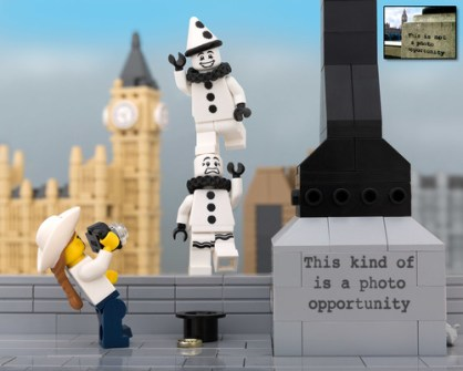 Fusión de Banksy y LEGO - Photo Opportunity
