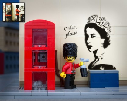 Fusión de Banksy y LEGO - Royal Guard Grafitti