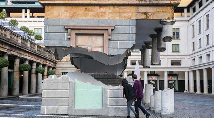 ¿Cruzarías bajo este Edificio Levitando a 3 metros?