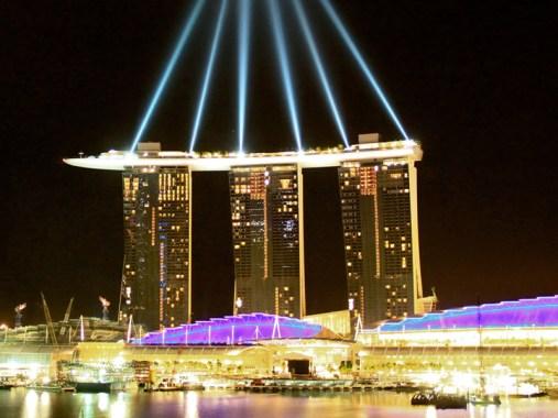 Hotel Marina Bay. Singapur. Vista Nocturna.