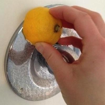 Cómo limpiar el metal del agua