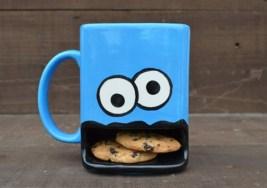 Romper con la rutina en la hora del café con tazas divertidas.
