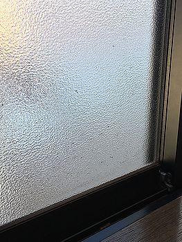 窓ガラスカビ汚れ