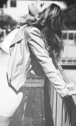 Summer Crosley Black and White