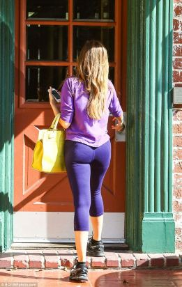 yoga pants sofia