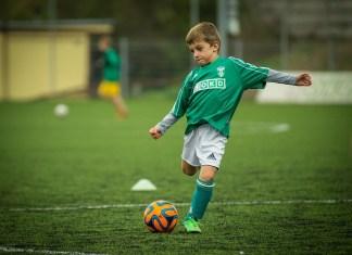 entrenamiento futbol niños