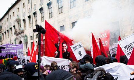 Proteste gegen die NATO Kriegskonferenz in München