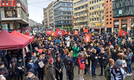 Proteste gegen AfD Aufmarsch in der Stuttgarter Innenstadt