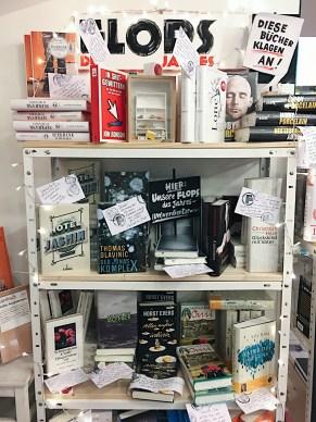 Travelguide Berlin: Die Flops in der BUchhandlung Hundt, Hammer, Stein in Mitte