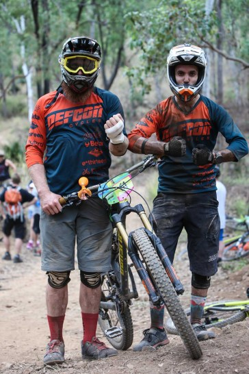 Fynn Donaldson and Goncalo de Silva compare battle scars after the first two stages.