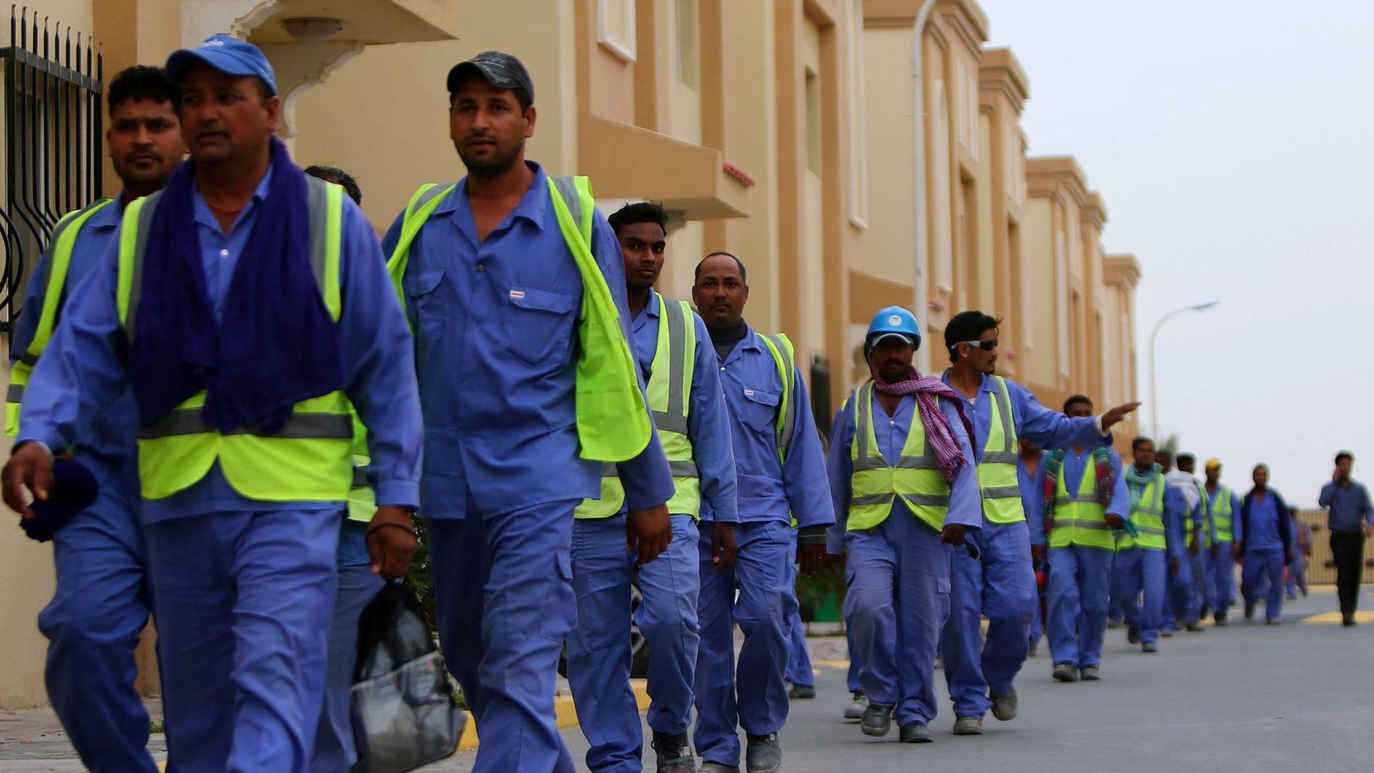 Coupe du monde de football 2022. Qatar : les ouvriers des stades de la coupe du monde 2022 ...