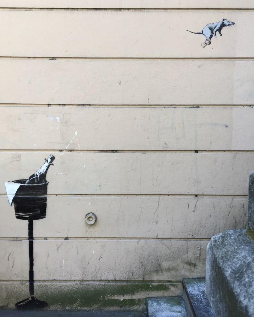 Rat champagne Banksy Montmartre Paris