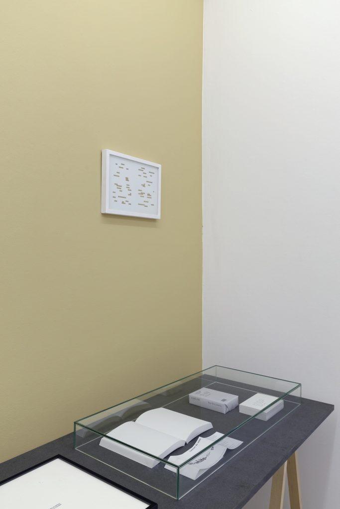 Fig. 3 : La quatrième classe, exp., Paris, Galerie Florence Loewy, 2013 ; commissariat : Jérôme Dupeyrat, Florence Loewy… by artists © Aurélien Mole