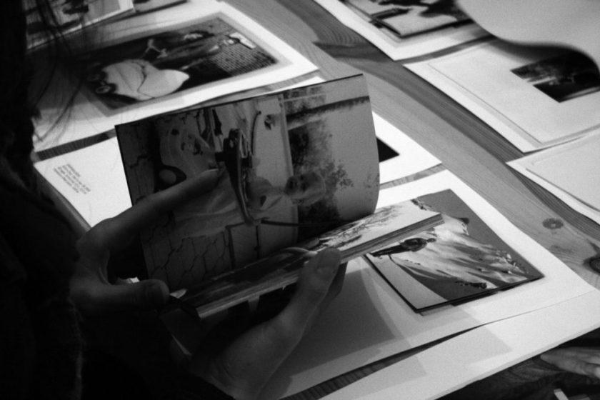 Fig. 9 : Table d'hôtes. Documentation Céline Duval, exp., Lyon, 14-16 rue Terraille, novembre-décembre 2007 ; commissariat : Pierre-Olivier Arnaud, Stéphane Le Mercier © Stéphane le Mercier