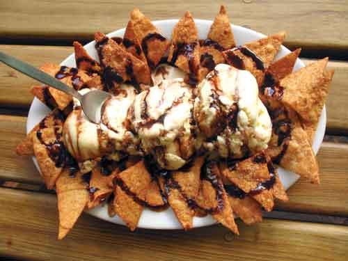 Dessert de la Casa/sweet cinnamon-flavored nachos (photo: Rudy Girón/rudygiron.com)