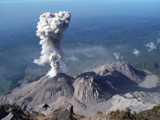 Santiaguito consists of four domes (from left to right): El Caliente (erupts 10-20 times daily), La Mitad, El Monje, El Brujo (photo: R.W. Sanderson)