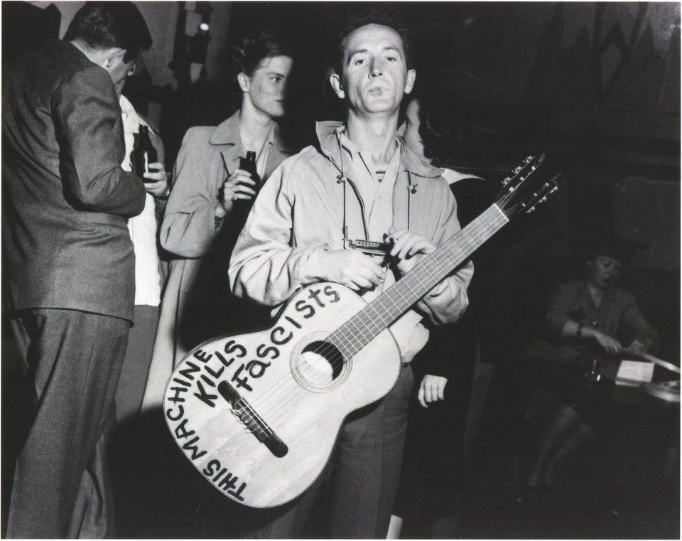 Woody Guthrie.jpg