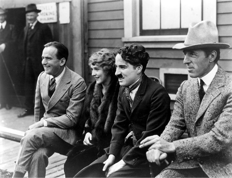 Fairbanks_-_Pickford_-_Chaplin_-_Griffith