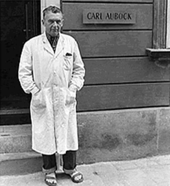 portrait of Carl Auböck