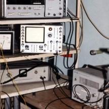 Студенти в лабораторії акустооптики, 1999 р.