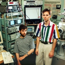 С. Булавенко із студентом в лабораторії тунельної мікроскопії, 90-ті роки