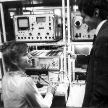 О. Письменний Т. Протас в лабораторному практикумі, 80-ті роки ХХ ст.