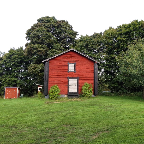 20. Even more gorgeous red nordic buildings in the countryside