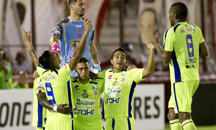 3-3-2015 | Mineros – Universitario (Copa Libertadores 2015)