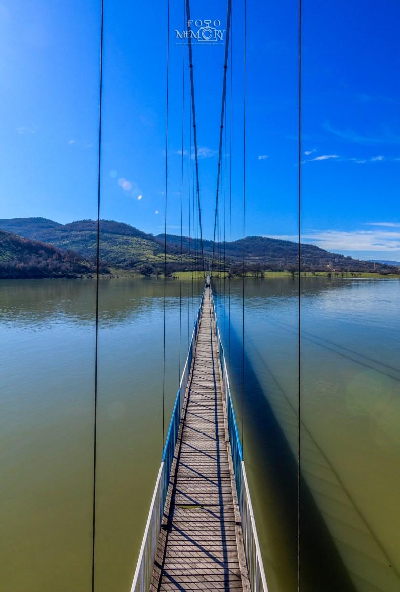 Мостът за с. Лисиците