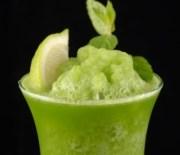 Erfrischender Kiwi-Drink mit nur 6 g Kohlenhydrate