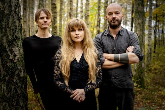 """NORWEGIAN FOLK ROCKERS GÅTE RELEASE NEW SINGLE """"KJÆRLEIK"""" & ANNOUNCE NEW EP """"TIL NORD"""""""