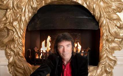 Steve Hackett announces the release of Wingbeats the first single from his new studio album – Surrender of Silence out on 10th September