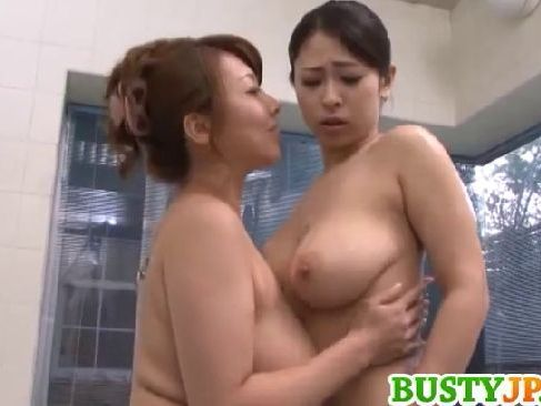 ぽっちゃり系巨乳若妻が豊満美熟女義母にレズ攻めをされて快感に嵌っていくrezu動画