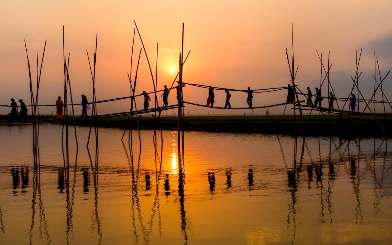 Crossings by Jonathan Munshi