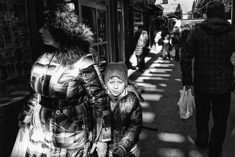 Brighton Mom n Kid © Reuben Radding