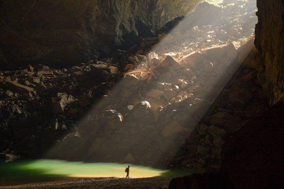 Hang-En-Cave-Sunbeam-Phong-Nha-Ke-Bang-RG Local