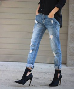 destroyed-jeans-anklee-boots-street-style