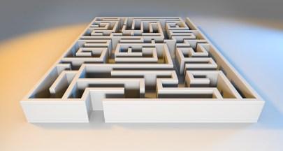 maze-1804511_640