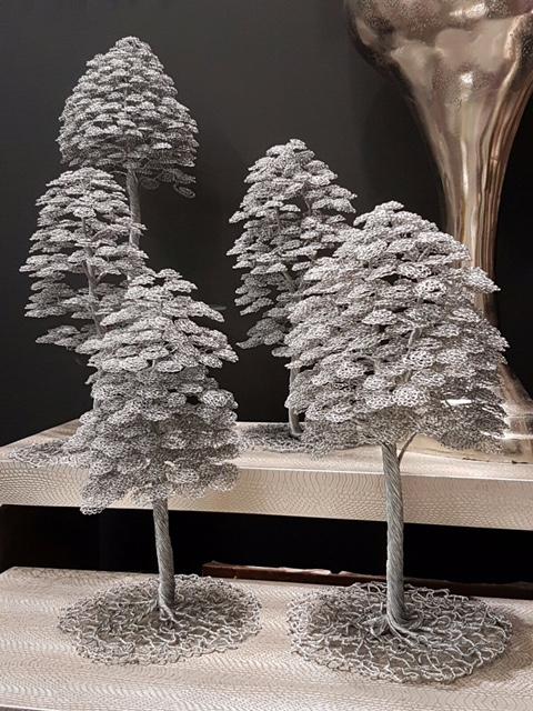 Drôtené stromčeky vedľa seba
