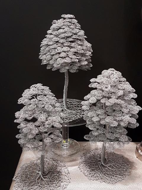 Drôtené stromčeky skupinka