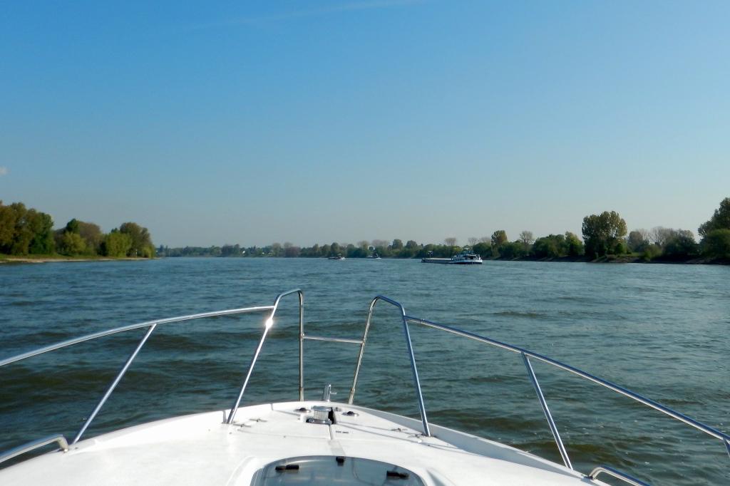 Rhein abwärts Richtung Krefeld