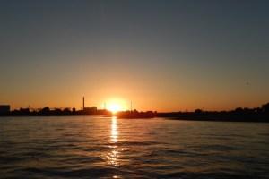 Sonnenuntergang auf dem Rhein erleben
