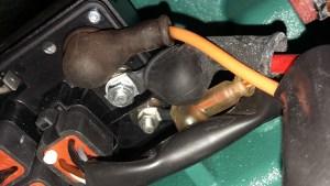 MDI Box von unten - Klemme Batt und Start bereits mit abgezogener Gummiisolierung
