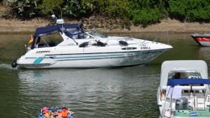 Links für Sportbootfahrer und Binnenschifffahrt - Sportboot Betti Sealine 300