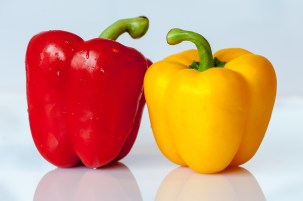 paprika-vegetables-yellow-red-53107