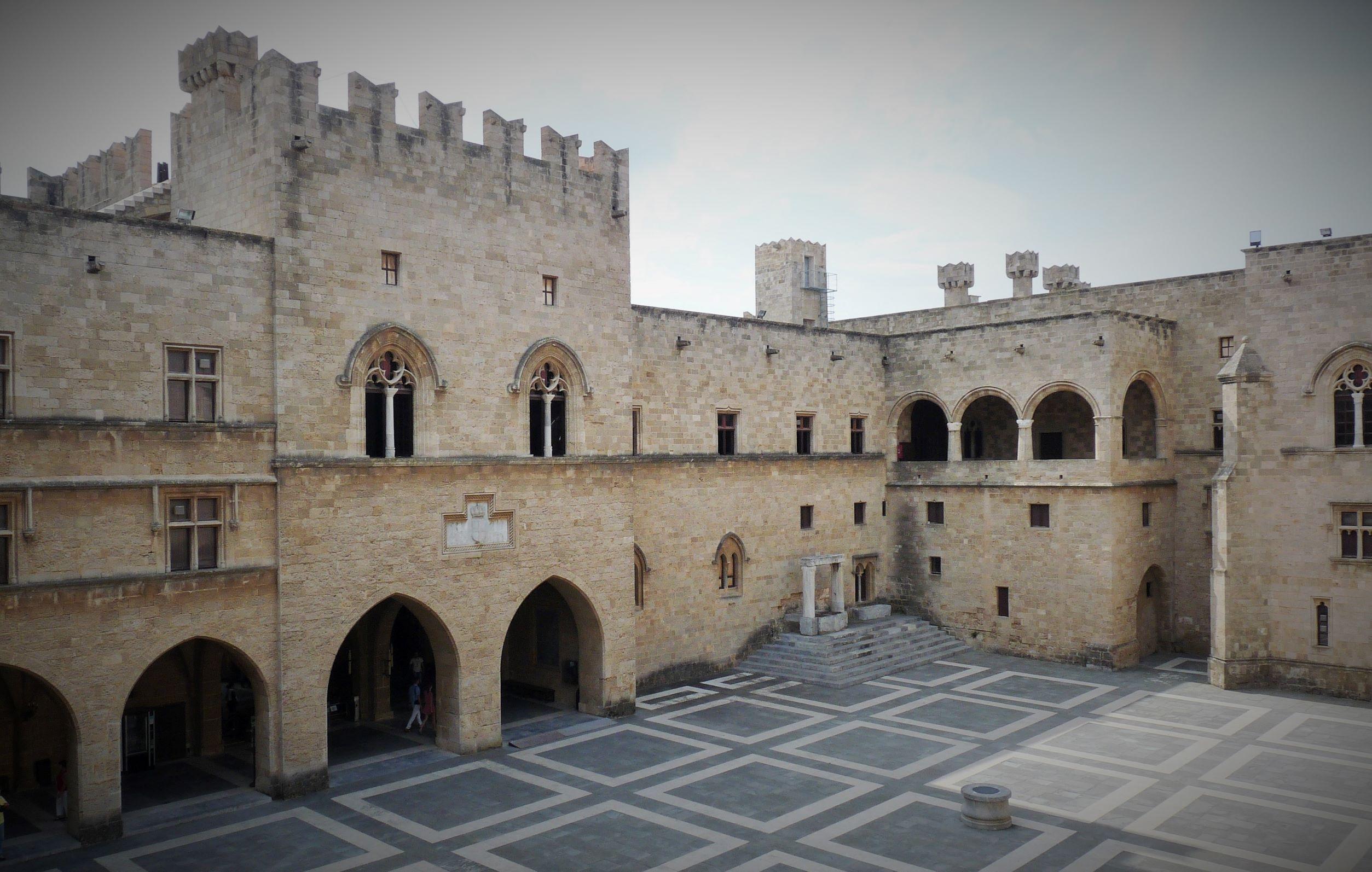 Cour intérieure Palais des Grands Maîtres