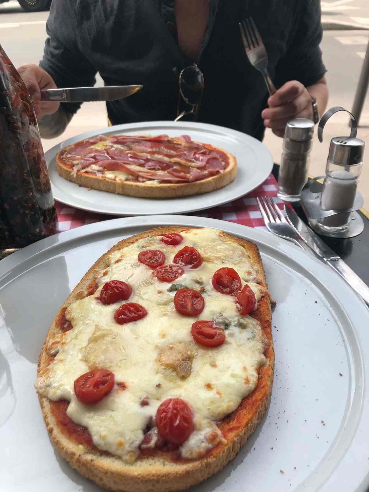 Lunch near the Sacre Coeur