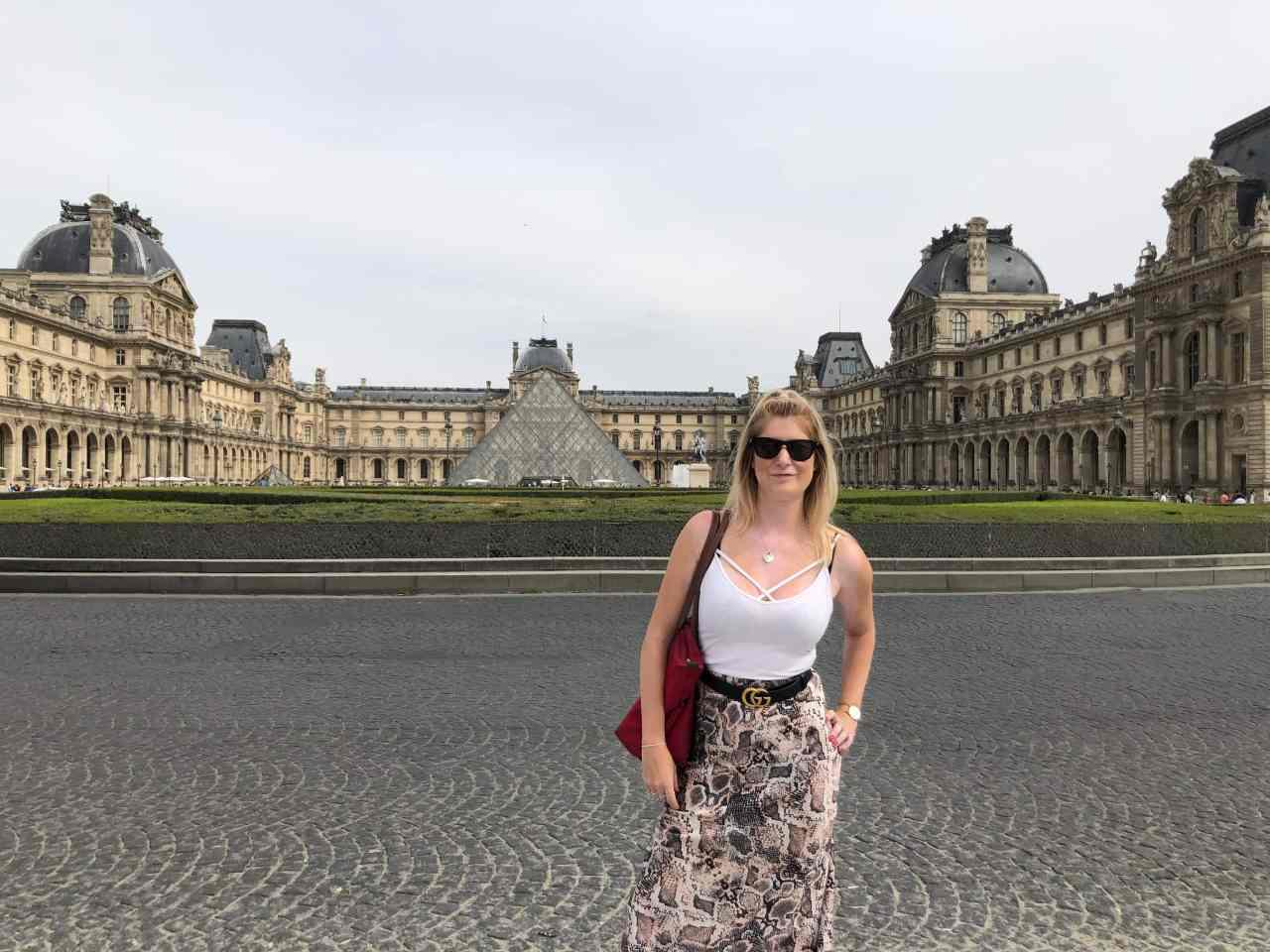 The louvre Paris no people
