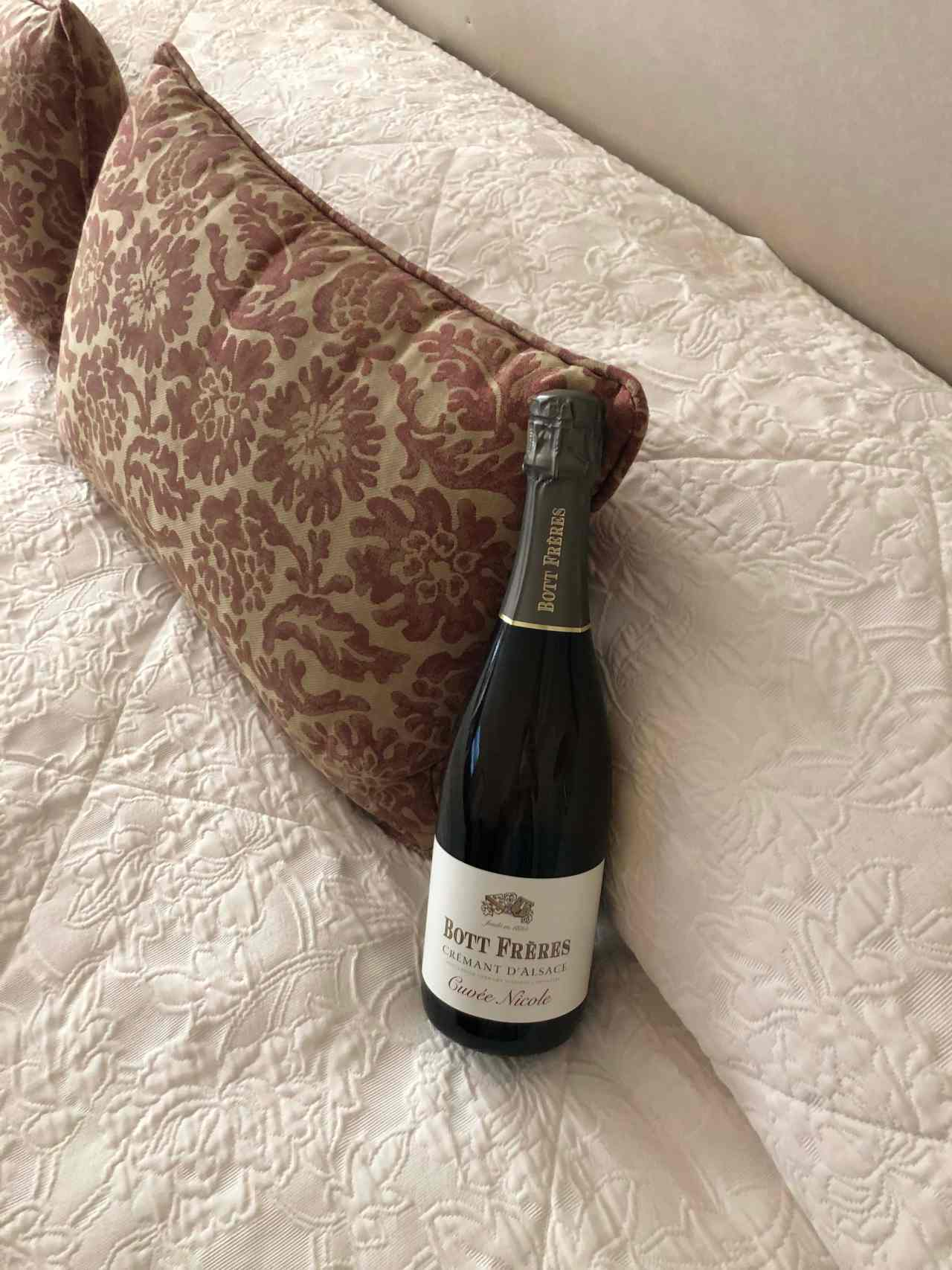 sparkling french wine in hotel Bedford