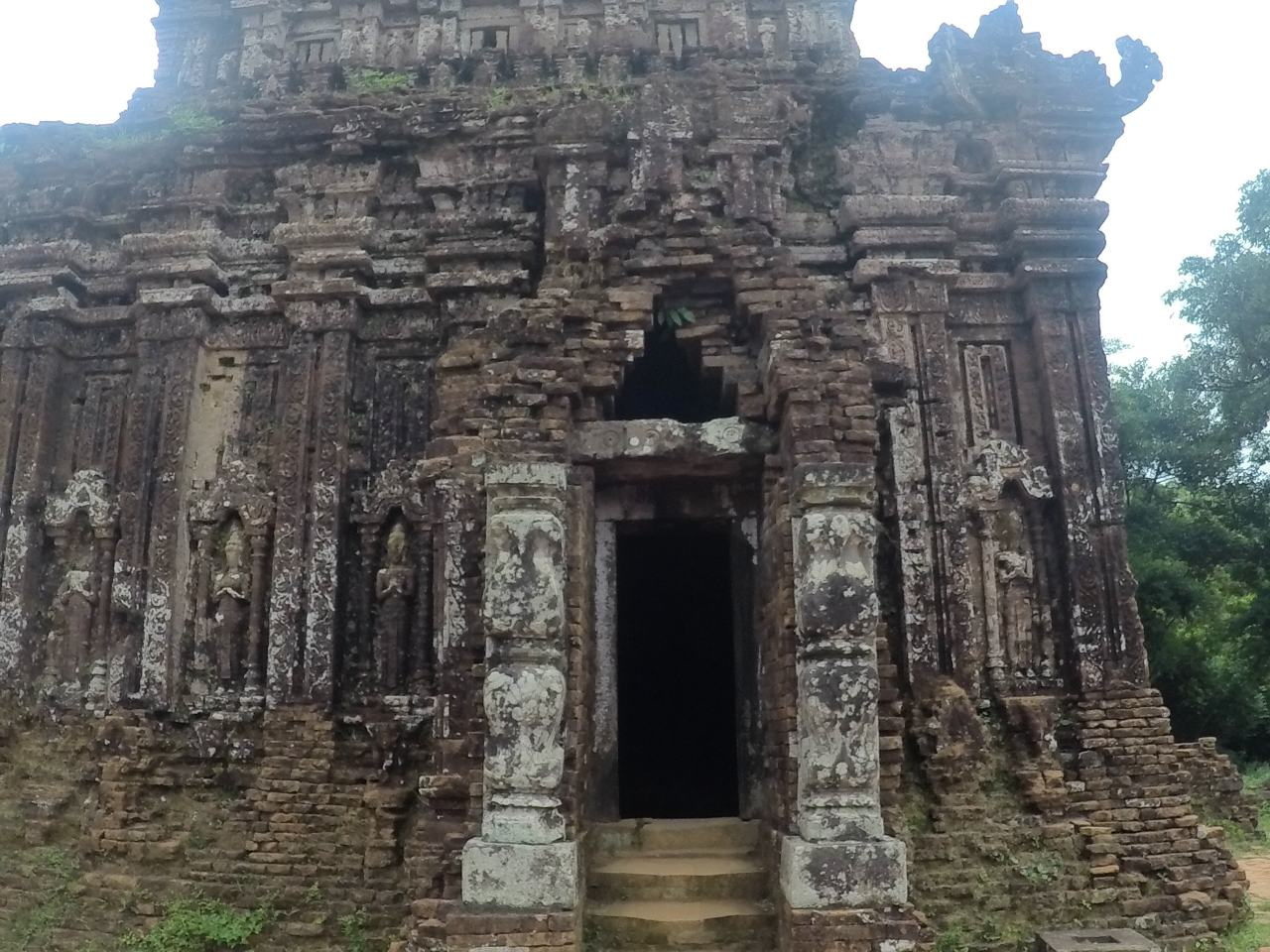 Temple My Son tomb Vietnam
